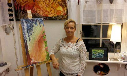 Skrivna berättelser berikar Maria Radich Johanssonsmålarkonst