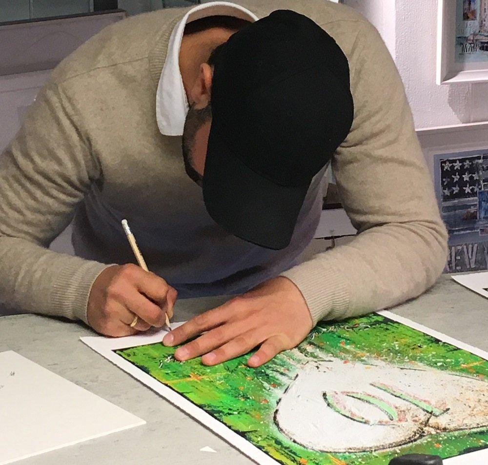 Kennedy Bakircioglu signerar