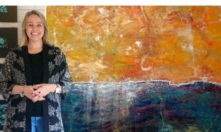 """För Maria Aum Vildvåg är konsten meditativ – en stund då hon kopplar bort intellektet: """"Jag målar känslor, jag målar inifrån och ut"""""""