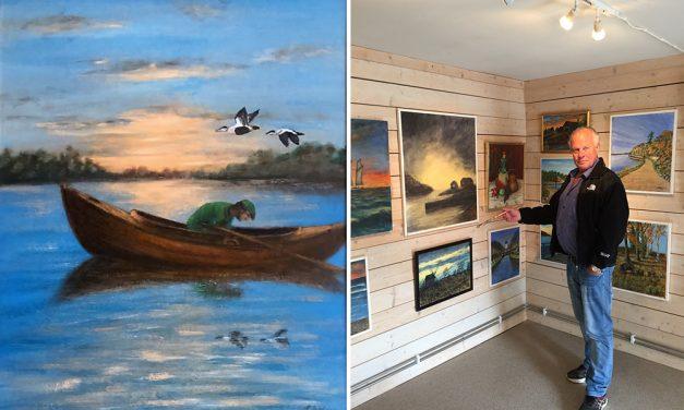För två sedan bytte han ut spisen mot staffliet. Nu släpper konstnären Hans Woksepp knappt penseln ur hand och havet är den största inspirationskällan.